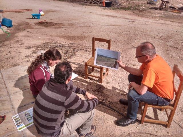 El equipo de la Universidad de Almería preguntó a los actores de interés sobre su percepción sobre el medio natural y los posibles beneficios que esperan obtener del proyecto The Green Link.