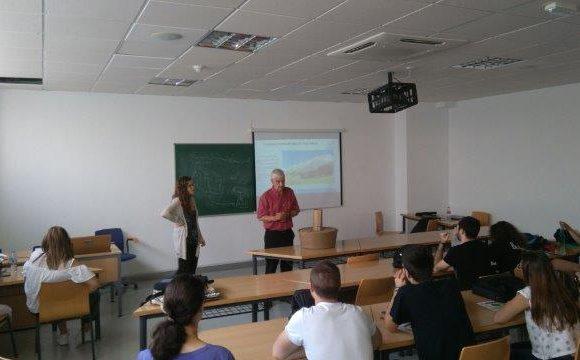 Concienciación local con estudiantes en Almería