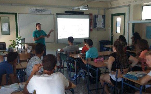 Concienciación local en Almería con el Instituto Velez Rubio