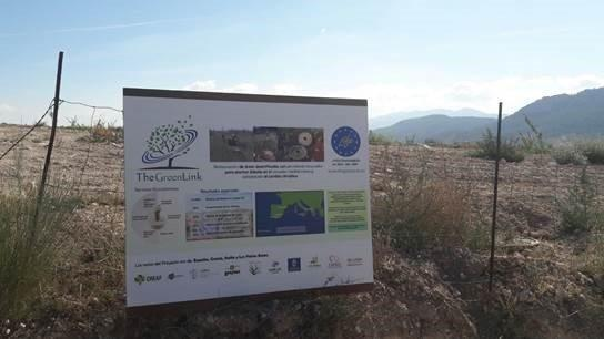 Cartel del proyecto en Almería y visita de monitoreo