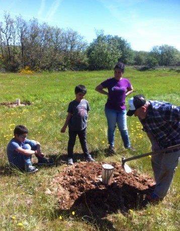 Plantación con Cocoon por voluntarios vecinos de Matamorisca (Palencia)